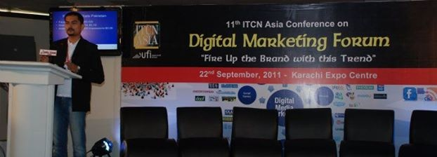 Asif Iqbal Speaking in Digital Marketing Forum